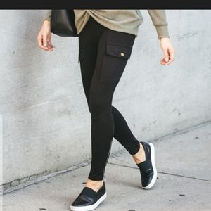 Cargo Pocket Ankle Zip Tights